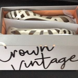 New crown vintage flats